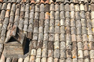 roof-tiles-189850_640